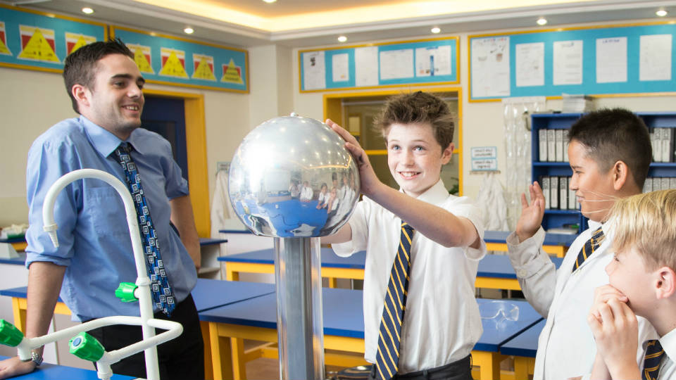 Memahami konsep ilmu fisika dengan menyenangkan