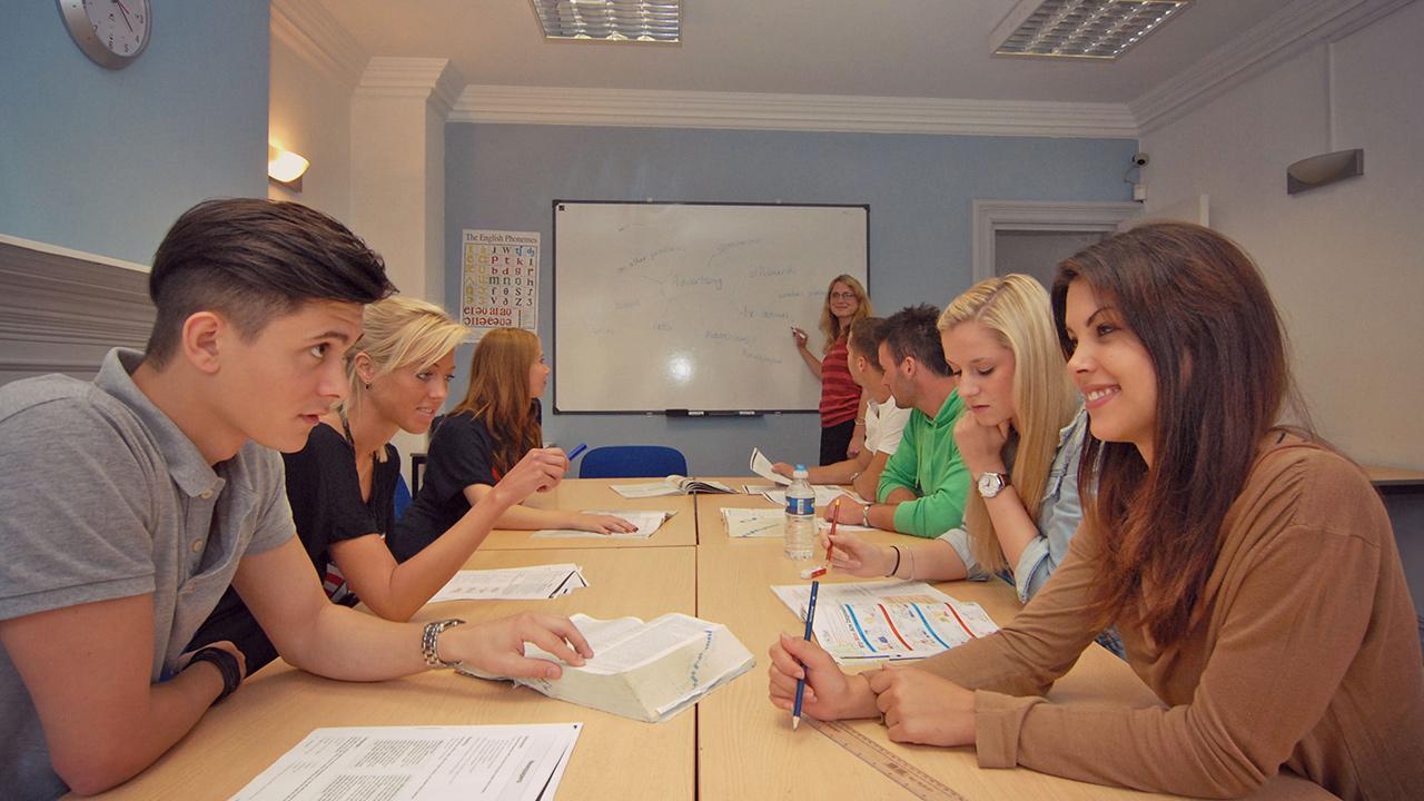 Belajar bahasa inggris dengan asik di YXGK Serpong